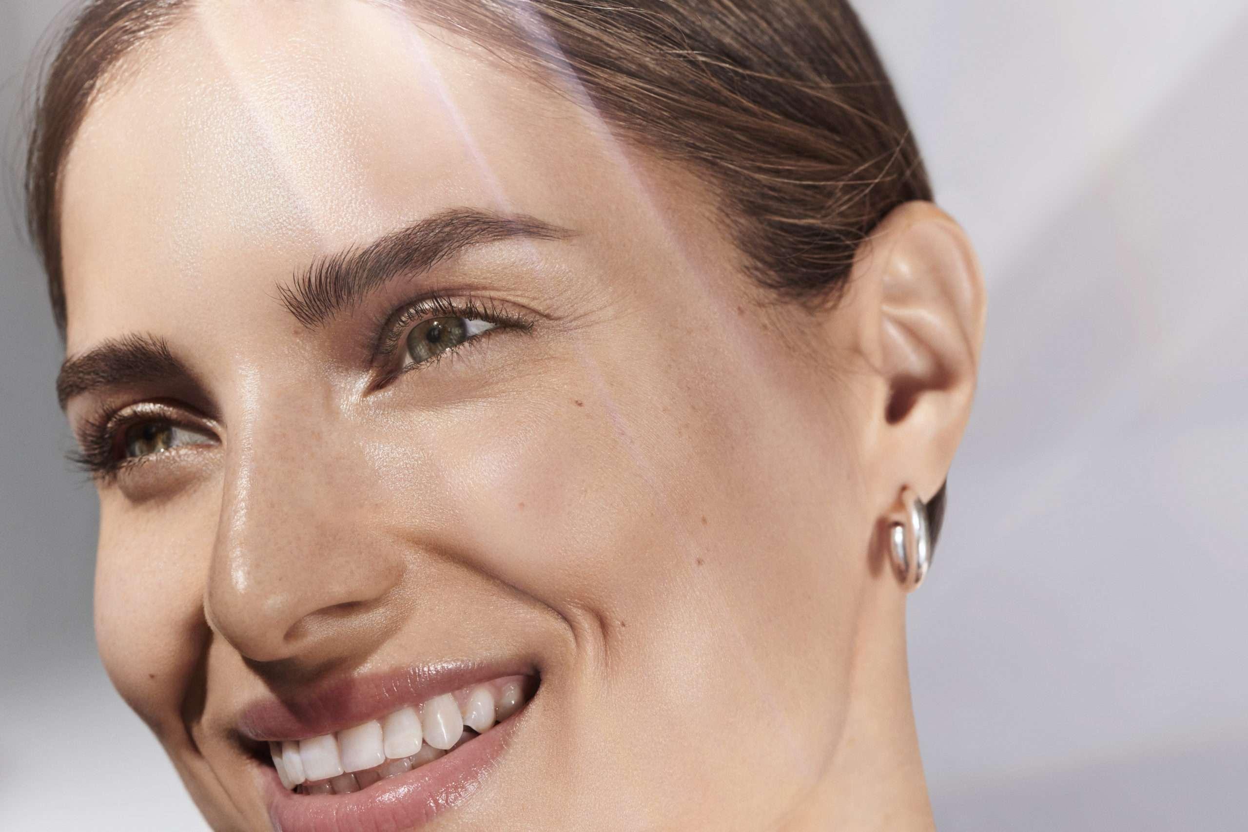 DiamondGlow noninvasive skin resurfacing treatment